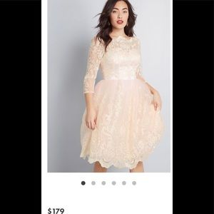 Brand New Modcloth Ivory Dress Size 4.
